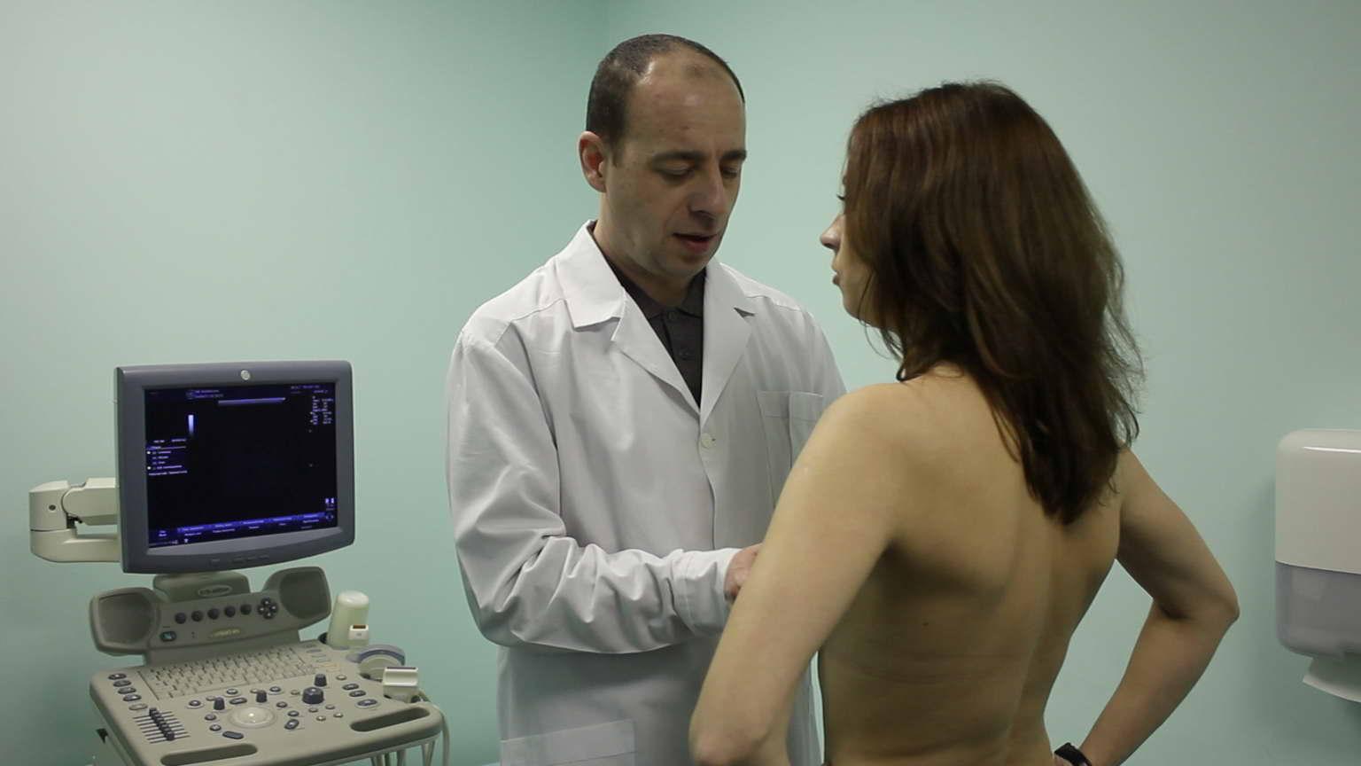 Фото голых девочек у врача 17 фотография