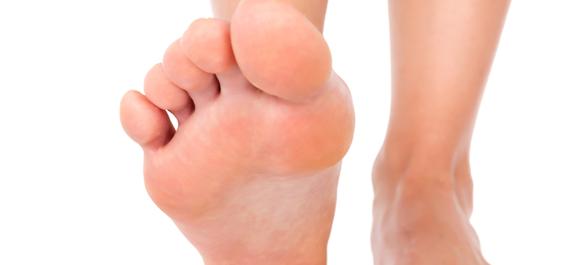 Гигрома на пальце ноги